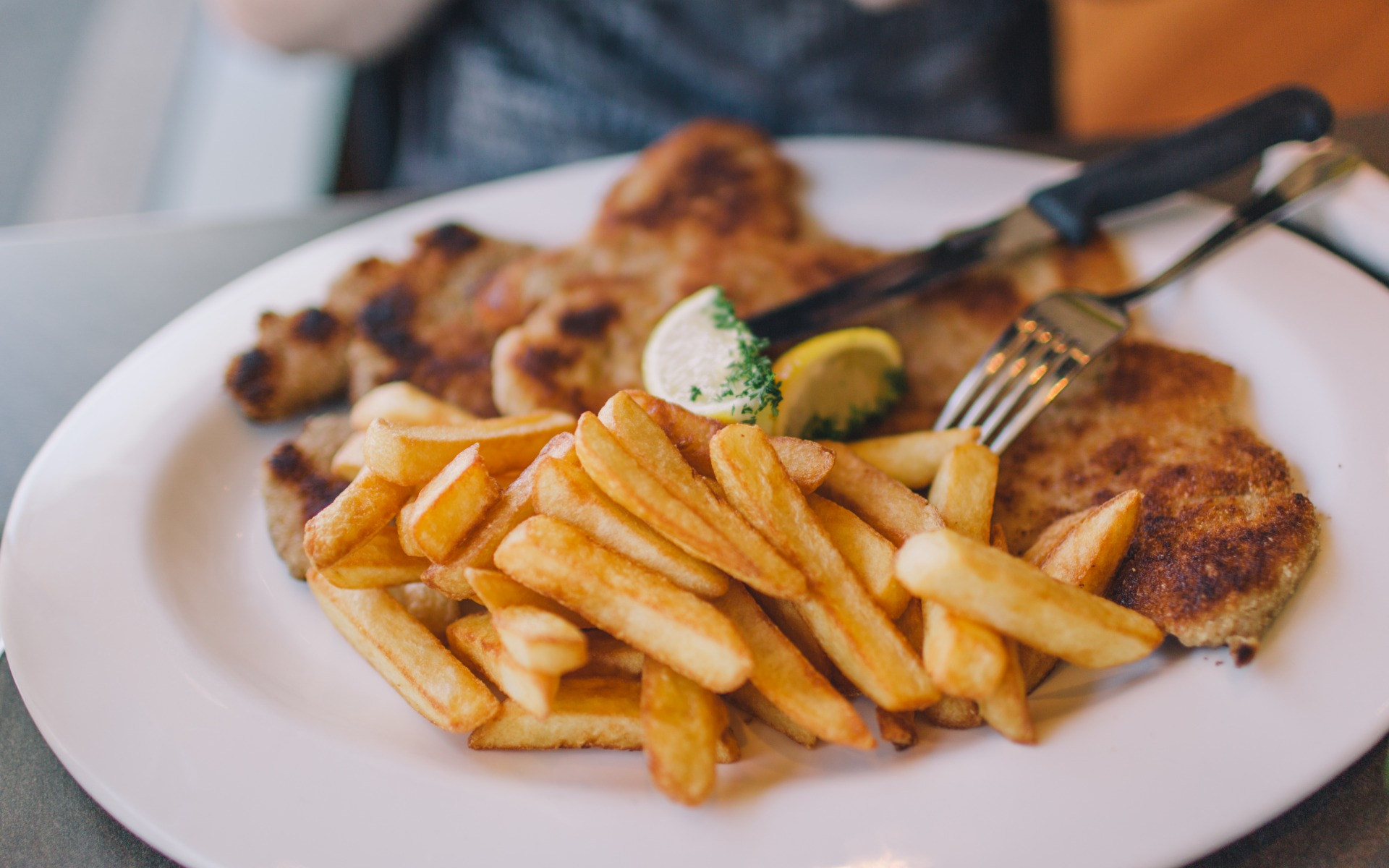 Barbecue with fries