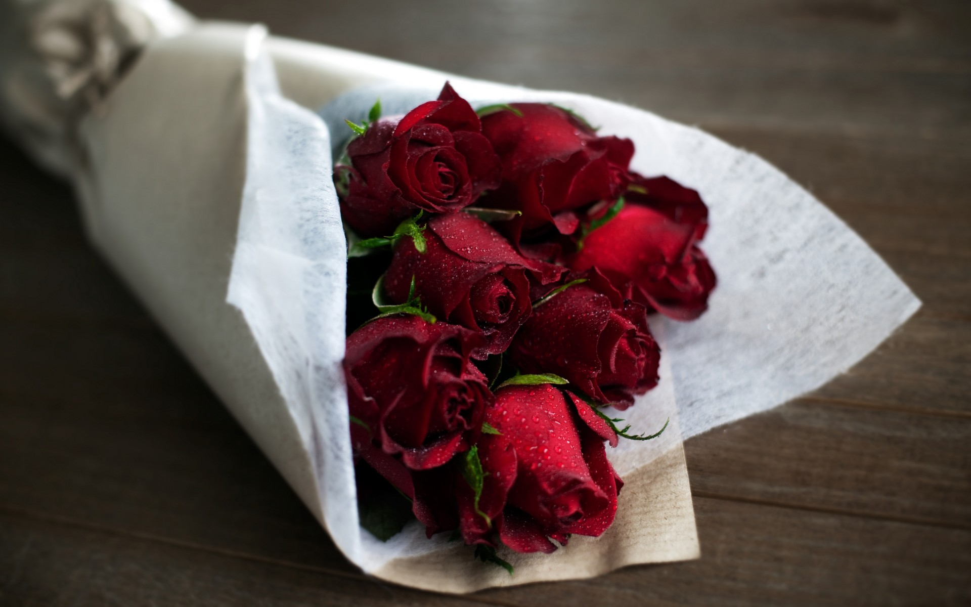 red roses, bouquet of flowers, romantic